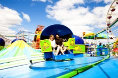 amusement park engagement session