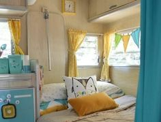 Beautiful And Colorful Rv Interior Ideas For Cheerful Camping Trip 44 Retro Caravan, Retro Campers, Camper Trailers, Happy Campers, Vintage Campers, Vintage Rv, Retro Rv, Vintage Camper Interior, Trailer Interior