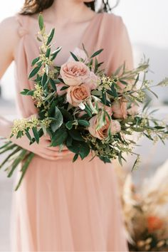 This art nouveau glass house inspiration shoot in Santorini is sure to take your breath away! ❤️ @bettyflowerssantorini filled the day with beautiful blooms and fabulous pampas grass arrangements that inspire -- all details are on SMP!   LBB Photography: @georgeliopetas #stylemepretty #weddingeditorial #fineartwedding #santorini #greece #destinationwedding Wedding Reception Flowers, Spring Wedding Flowers, Wedding Flower Arrangements, Floral Wedding, Wedding Bridesmaid Bouquets, Santorini Wedding, Glass House, Florals, Destination Wedding