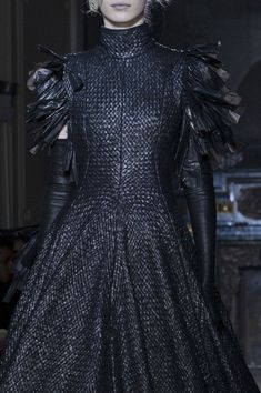 Gareth Pugh at Paris Fashion Week Fall 2013 - Details Runway Photos