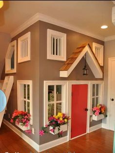 Build in home for pet grooming