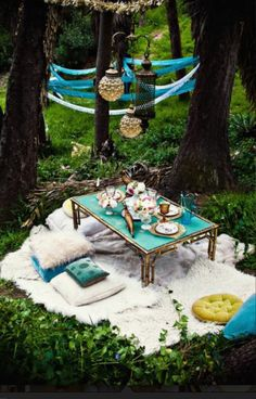 How cute tht would be to set up a lil area for noah and mommy out in our woods to have a lil picnic & surprise him:) that wuld be so cute :) bubby and bebe #2 of course :)