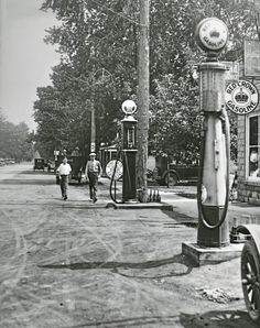 In 1920, the retail gasoline price was about $0.30.