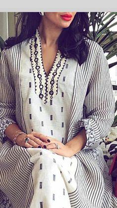 Arab Fashion, White Fashion, Indian Fashion, Ski Fashion, Fashion Design, Mode Abaya, Mode Hijab, Hippie Outfits, Indian Outfits