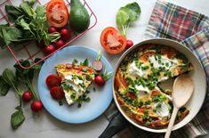 Zdrowe śniadanie dla kilku osób w 15 minut? Sprawdź nasz przepis na frittatę! - Life Gym Hero Eggs, Frittata, Chicken, Breakfast, Foods, Fashion, Diet, Morning Coffee, Food Food