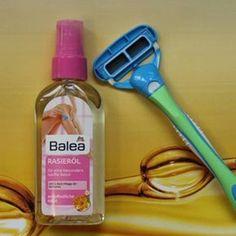 Razor burn: pimples after shaving? - Razor burn: pimples after shaving? Makeup Tricks, Famous Makeup Artists, Plucking Eyebrows, Diy Pedicure, Shaving Oil, Shaving Razor, Razor Burns, Lilac Hair, Schaum