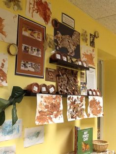The story of brown. The sunflower school in Orangeville, Ontario Learning Stories, Learning Time, Project Based Learning, Teaching Themes, Teaching Colors, School Displays, Classroom Displays, Preschool Education, Preschool Art