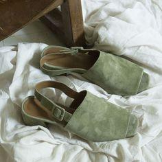 Olive, peep-toe, strap back. A DREAM.