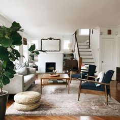 6 Small Living Room Design Tips and Ideas - Des Home Design Cozy Living Rooms, Living Room Interior, Living Room Chairs, Rugs In Living Room, Home And Living, Living Room Designs, Living Room Decor, Apartment Living, Room Rugs