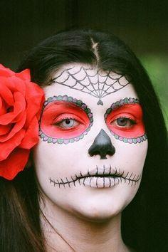 Halloween make up idea Cool Halloween Makeup, Fete Halloween, Halloween Looks, Halloween Costumes, Halloween Stuff, Halloween Ideas, Halloween Hair, Scary Halloween, Happy Halloween