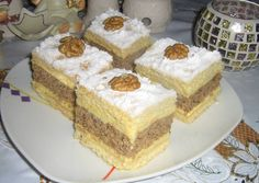 Sweet Desserts, Dessert Recipes, Hungarian Desserts, Poppy Cake, Twisted Recipes, Romanian Food, Cream Cake, Vanilla Cake, Food Videos