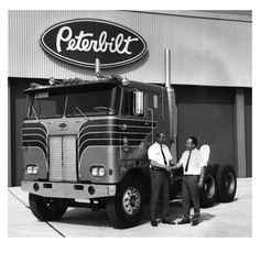 Semi Trucks, Big Trucks, Cab Over, Work Horses, Peterbilt Trucks, Diesel Trucks, Vintage Trucks, Rey, Tractors