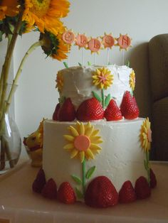 Stacked Strawberry and Sunflower cake!  What a cute idea!