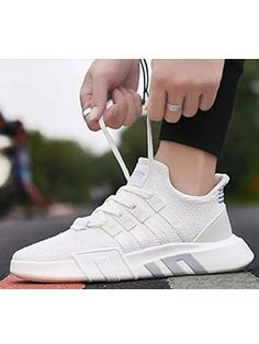 Fashion Lace Up Round Toe Causal Lovers Sneakers