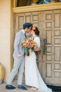 Stylish bride and groom | Amy Carlston Photography | see more on: http://burnettsboards.com/2014/07/summery-citrus-wedding-ideas/