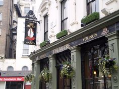 London....10the mitre...one of my favorite pubs!