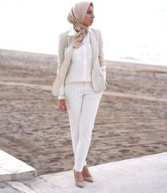 white on white hijab, New trends just for hijab http://www.justtrendygirls.com/new-trends-just-for-hijab/