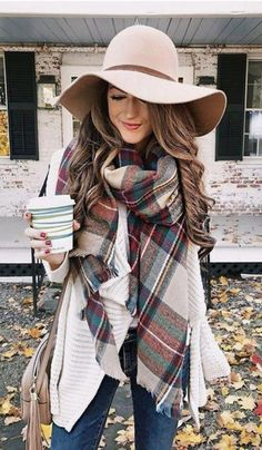 Flawless Summer Outfits Ideas For Slim Women That Looks Cool - Oscilling Winter Dress Outfits, Casual Skirt Outfits, Outfits With Hats, Casual Winter Outfits, Outfit Winter, Dress Winter, Black Outfits, Outfit Summer, Stylish Outfits