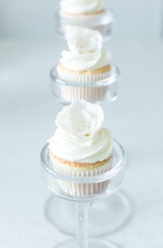 Bridal Shower Chreats Cupcakes