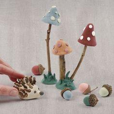 Muotoile oma metsä Silk Clay:sta ja luonnonmateriaaleista. Tee siilejä, värikkäitä sieniä ja tammenterhoja. Decoupage, Hygge, Miniatures, Clay, Silk, Crafts, Clays, Manualidades, Handmade Crafts