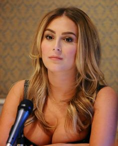 Pictures of Alexa Vega, Picture Alexa Ellesse PenaVega (née Vega; born August is an American actress and singer. Pictures Of Alexa, Celebrity Pictures, Hot Actresses, Beautiful Actresses, Alexa Vega, Crotch Shots, Hollywood Gossip, Hollywood Celebrities, Sexy Legs