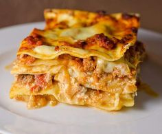 Recipe The Perfect Lasagne by learn to make this recipe easily in your kitchen machine and discover other Thermomix recipes in Main dishes - meat. Beef Lasagne, Lasagne Recipes, Meat Recipes, Lasagna, Cooking Recipes, Clone Recipe, 5 Recipe, Bellini Recipe, Midweek Meals