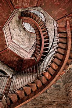 Ascension (interior of Torre dei Lamberti Verona Italy) Staircase Railings, Spiral Staircase, Stairways, Escalier Art, Take The Stairs, Verona Italy, Stair Steps, Beautiful Architecture, Italy Architecture