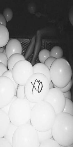 Rolling Stone Black and White heels party drugs The Weeknd XO OVOXO alcohol balloons house of balloons thursday b&w High For This the morning the zone what you need glass table girls The Weeknd Album Cover, The Weeknd Albums, Black And White Heels, Black And White Pictures, Photo Wall Collage, Picture Wall, The Weeknd Birthday, The Weeknd Background, The Weeknd Tattoo