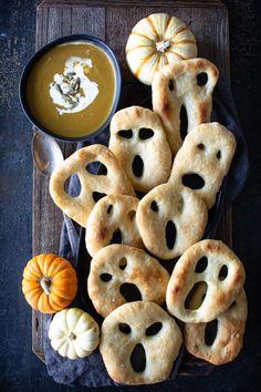 Delicious Made-From-Scratch Seasonal Recipes - Simply So Good Fougasse Bread Recipe, Fun Halloween Treats, Halloween Desserts, Halloween Cupcakes, Spooky Halloween, Cup Of Soup, Bread Shaping, Spooky Food, No Knead Bread