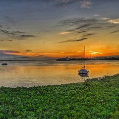 Las ventajas de #amanecer  #río #sol #bote #cielo #sunrise #river #sky #naturaleza #nature #boat #formosa  #argentina