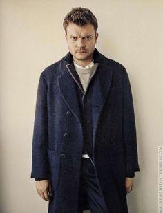 Pilou Asbæk para L'Uomo Vogue por Andreas Laszlo Konrath