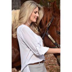 Heels off, boots on.... helllooooo #weekend #weekendvibes #boots #horses #hairstyles #blondehair #nature