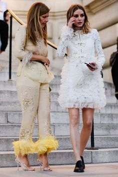 The Best Street Style Looks From Fall 2017 Couture Fashion Week, Olivia Palermo, looks like at two little birds, cute feathers. Street Style Chic, Street Style Summer, Autumn Street Style, Cool Street Fashion, Street Style Looks, Fashion Week Paris, Seoul Fashion, New York Fashion, Style Fashion