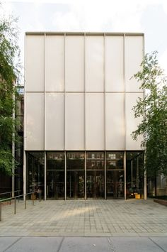 """"""" Renzo Piano, The Morgan Library extension Photo: Arnout Fonck """" Renzo Piano, Library Architecture, Facade Architecture, Contemporary Architecture, Industrial Architecture, Contemporary Homes, Metal Facade, Ludwig Mies Van Der Rohe, Commercial Architecture"""