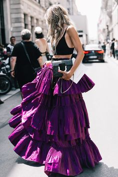 Fall Outfits Street Style Looks From the Fall 2017 Couture Shows in Paris Fashion Week, Look Fashion, Fashion Show, Fashion Outfits, Womens Fashion, Fashion Design, High Fashion, Trendy Fashion, Vogue Fashion