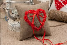 Red heart Burlap Wedding ring  pillow  / lace от RusticBeachChic, $25.00