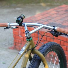 FAIRWEATHER original handle made by NITTO technology Modernized old school Bullmoose handle bar Cr-mo steel is strong enough for every activities, such as MTB, CX, or commute. MADE IN JAPAN Triangle Bar, Bicycles, Old School, Fonts, Steel, Silver, Peda, Designer Fonts, Types Of Font Styles