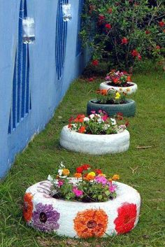 7 Unbelievable Tricks: Backyard Garden Landscape Porches urban backyard garden how to build.Backyard Garden House How To Grow backyard garden design people.Urban Backyard Garden How To Build. Garden Crafts, Diy Garden Decor, Garden Projects, Garden Decorations, Balcony Decoration, Yard Art, Tire Garden, Terrace Garden, Garden Bed