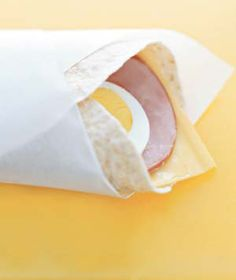 Huevos Rancheros Wrap - Slice a hard-boiled egg, roll it in an whole-wheat tortilla with a piece of Canadian bacon or lean ham and a ½-ounce slice of cheese. Add a tablespoon of salsa for a shot of flavor and a smidgen of vitamin C. Fast Healthy Breakfast, Breakfast Wraps, Breakfast On The Go, Breakfast Burritos, Breakfast Time, Best Breakfast, Healthy Snacks, Breakfast Recipes, Breakfast Ideas