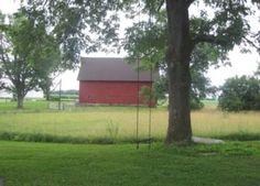 Sand Creek Wedding Barn is a nice, peaceful, and serene wedding venue.