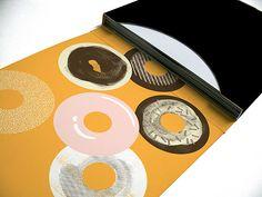 UPCOMING: J DILLA – DONUTS – 45 BOX SET (STONESTHROW)