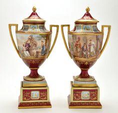 Par de vasos em porcelana de Vienna do sec.19th, 27,5cm de altura, 12,420 EGP / 5,120 REAIS / 1,560 EUROS / 1,640 USD https://www.facebook.com/SoulCariocaAntiques