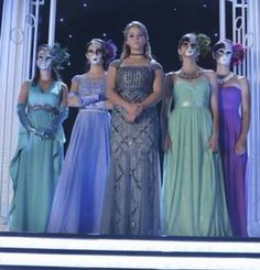 Pretty Little Liars Ali returns with her bitches CAN'T WAIT