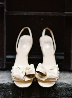 gold bow bridal shoes - louboutins