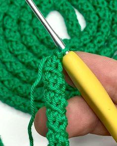 Crochet I Cord, Crochet Twist, Diy Crochet, Crochet Hooded Scarf, Crochet Shawl, Crochet Coaster Pattern, Crochet Patterns, Crochet Instructions, Crochet Handbags
