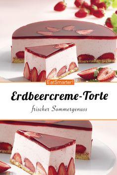 Es ist Erdbeersaison und das heißt, es wird pink! Erdbeercreme-Torte - smarter - Zeit: 35 Min. | eatsmarter.de #erdbeertorte #erdbeeren #torte
