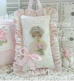 Shabby chic Pillows Pinterest Chic, Shabby chic and Shabby