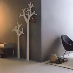 Swedese Tree wall white, design: Michael Young, Katrin Olina, BuyDesign.it - Lo store con i migliori marchi d´arredo di design