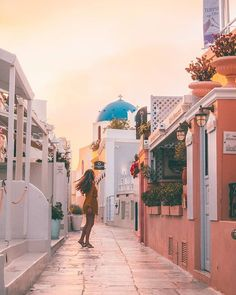 Santorini Greece by @kissedbytheshore #the_daily_traveller www.dailytraveller.gr Follow me on @vsiras & @bestgreekhotels #greecetravelgr1_ #greecelover_gr #santoriniisland #cyclades_islands #athensvoice #travel_greece #greece_moments #team_greece #loves_greece #santorini #roundphot0 #santorinigreece #igers_greece #urban_greece #loves_greece_ #perfect_greece #cyclades #super_greece #visitgreece #santorini_island #wu_greece #instagreece #greecestagram #great_captures_greece #exquisite_greece #