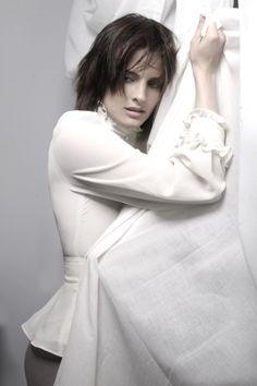 Stana Katic short hair inspiration.